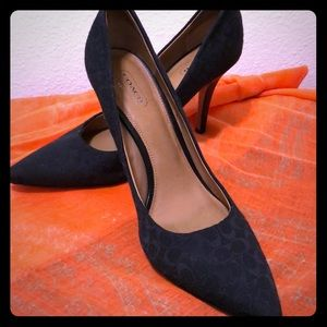 Black Coach Pumps Size 9.5